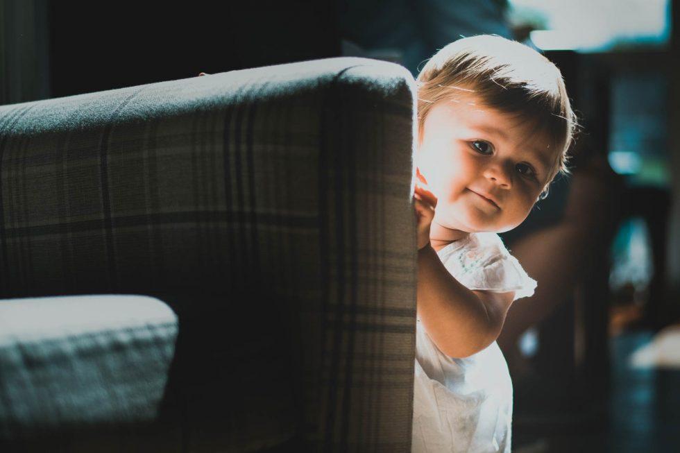 Child-Peaking-Round-Sofa
